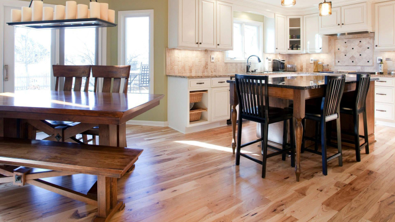 Site_finished_hickory_kitchen